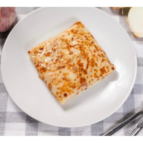 Блин с сыром моцарелла и зеленью